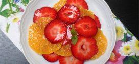 سلطة الفراولة و البرتقال